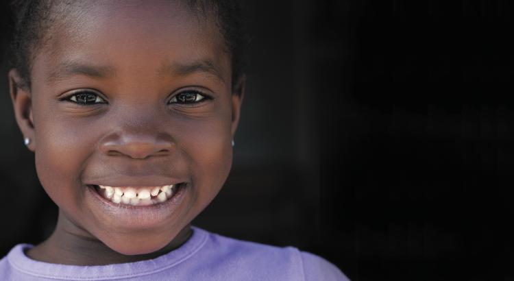 African-girl-Black-bkgnd